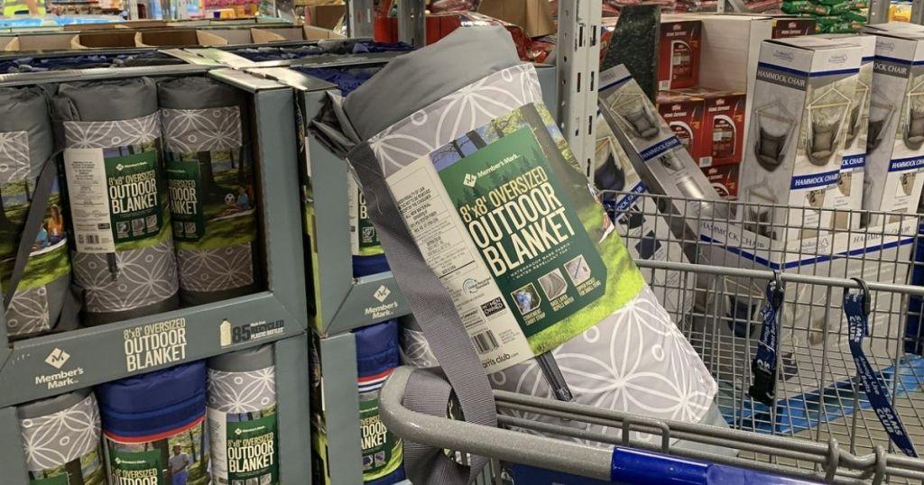 Member's Mark Oversized Outdoor Blanket in a cart in store