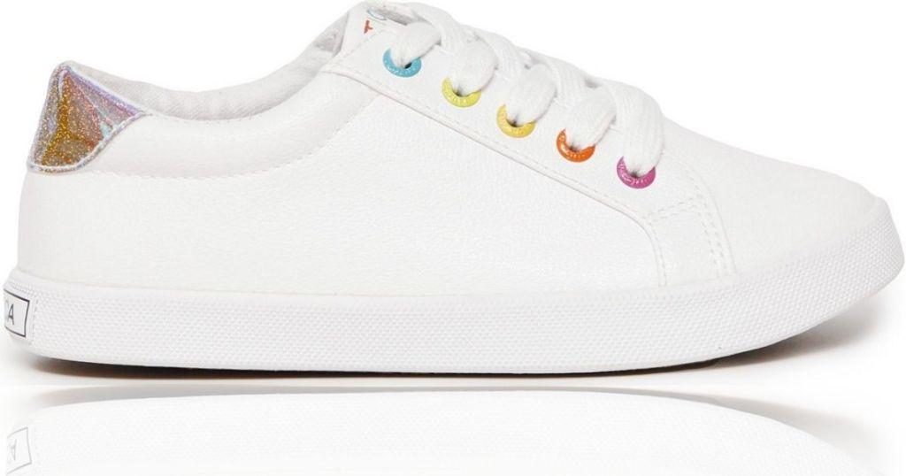 girls sneaker