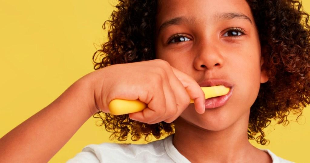Quip Rubber Kids Smart Electric Toothbrush Starter Kit