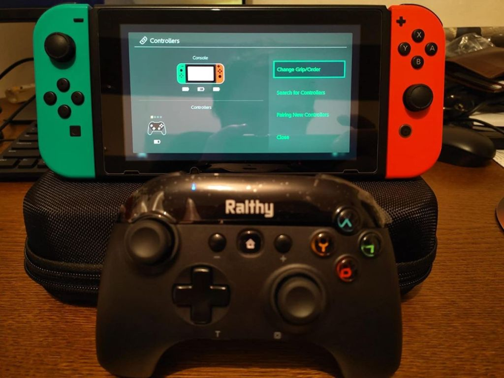 Nintendo Switch controller by a Switch