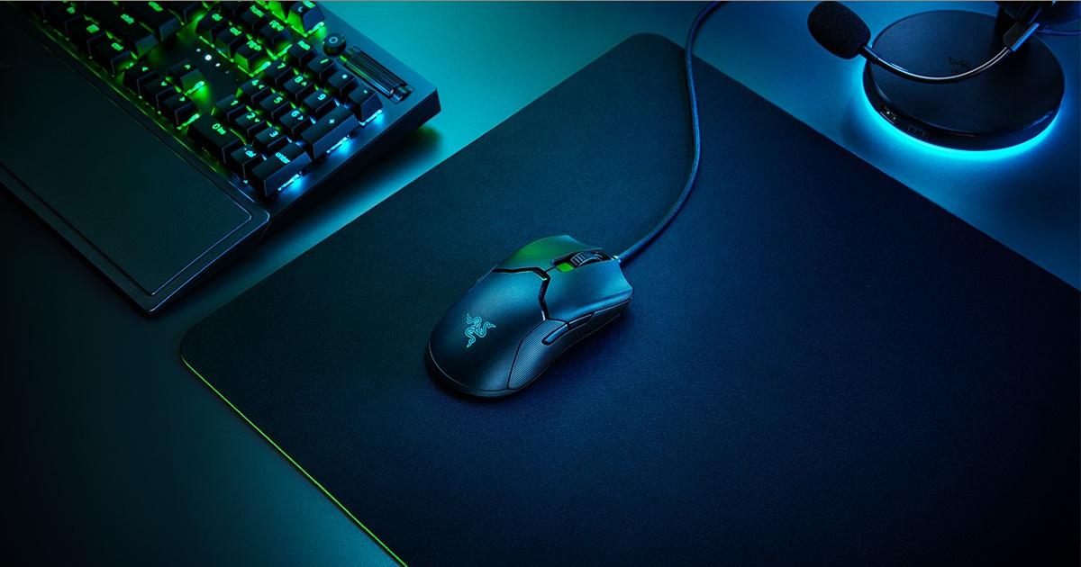 light up Razor keyboard bundle on desk top