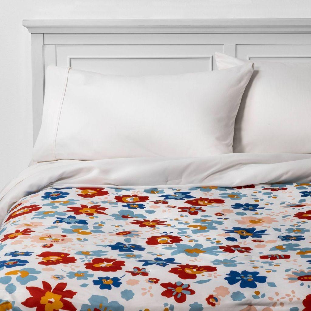 Room Essentials Reversible Comforter