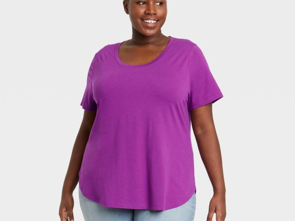 woman wearing purple tee