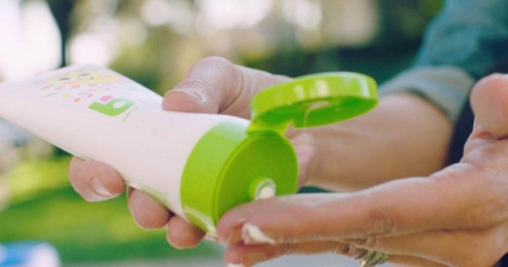 hanf squeezing babyganics sunscreen