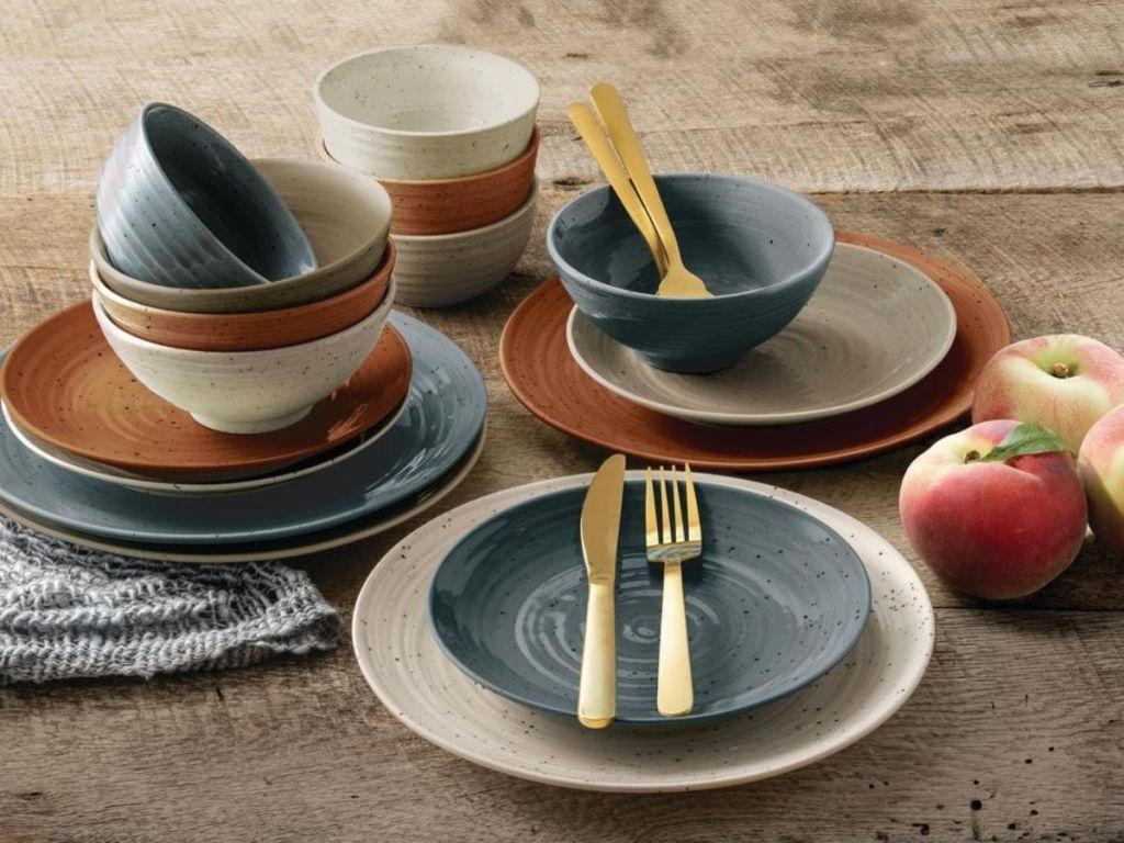 stoneware dinner set
