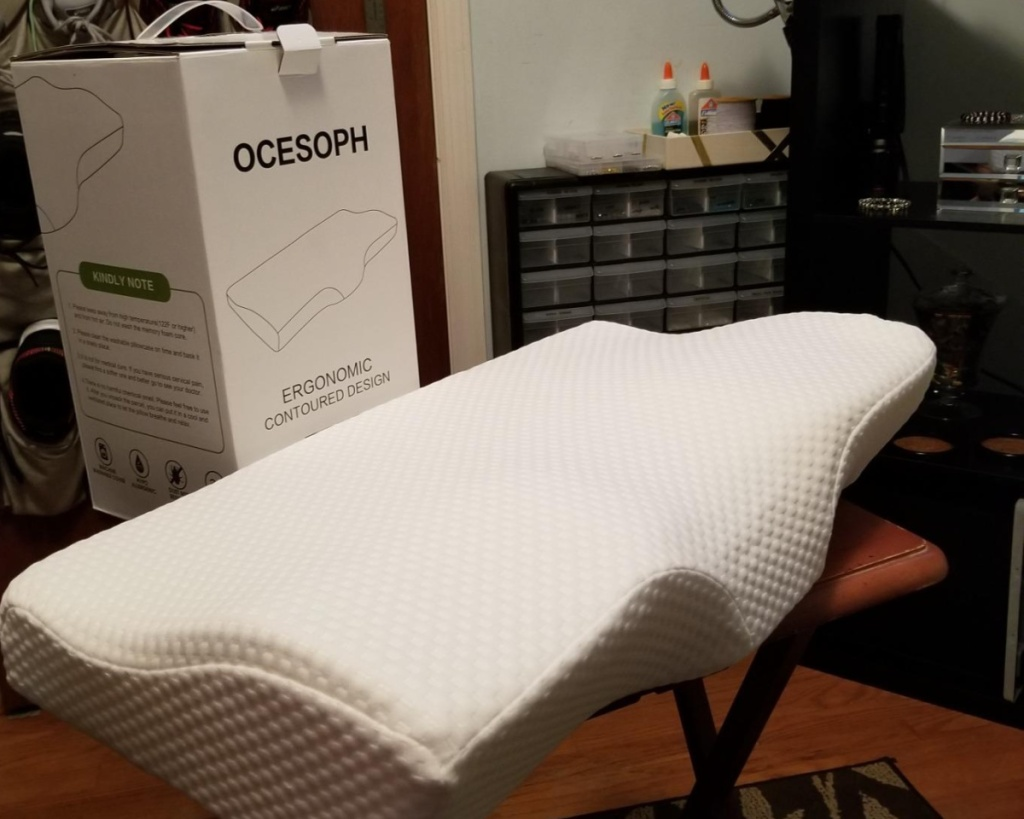 memory foam pillow with box