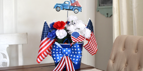 How to Throw a 4th of July Party on the Cheap By Using $1 Dollar Tree Decorations!