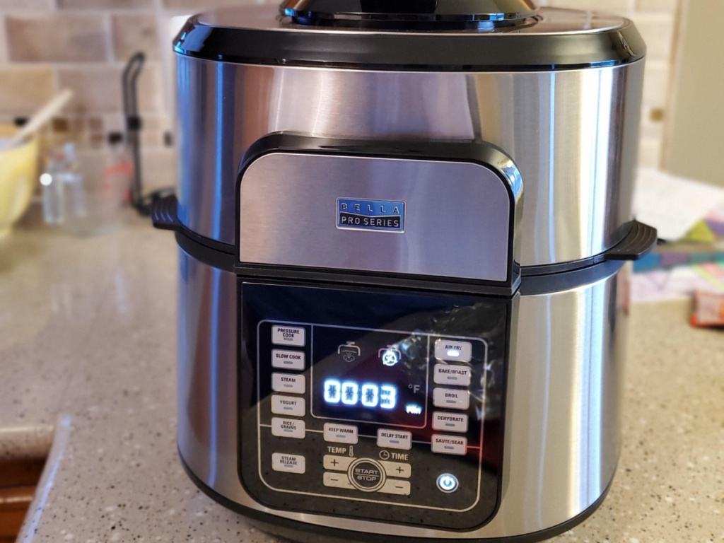 multi cooker on kitchen counter