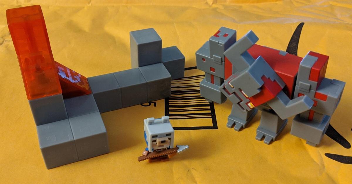 Minecraft Dungeons Mini Battle Box w/ Redstone Monstrosity, Valorie Character and Lava Set Piece Action Figure Set