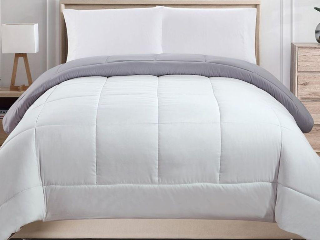 RT Designs Comforter