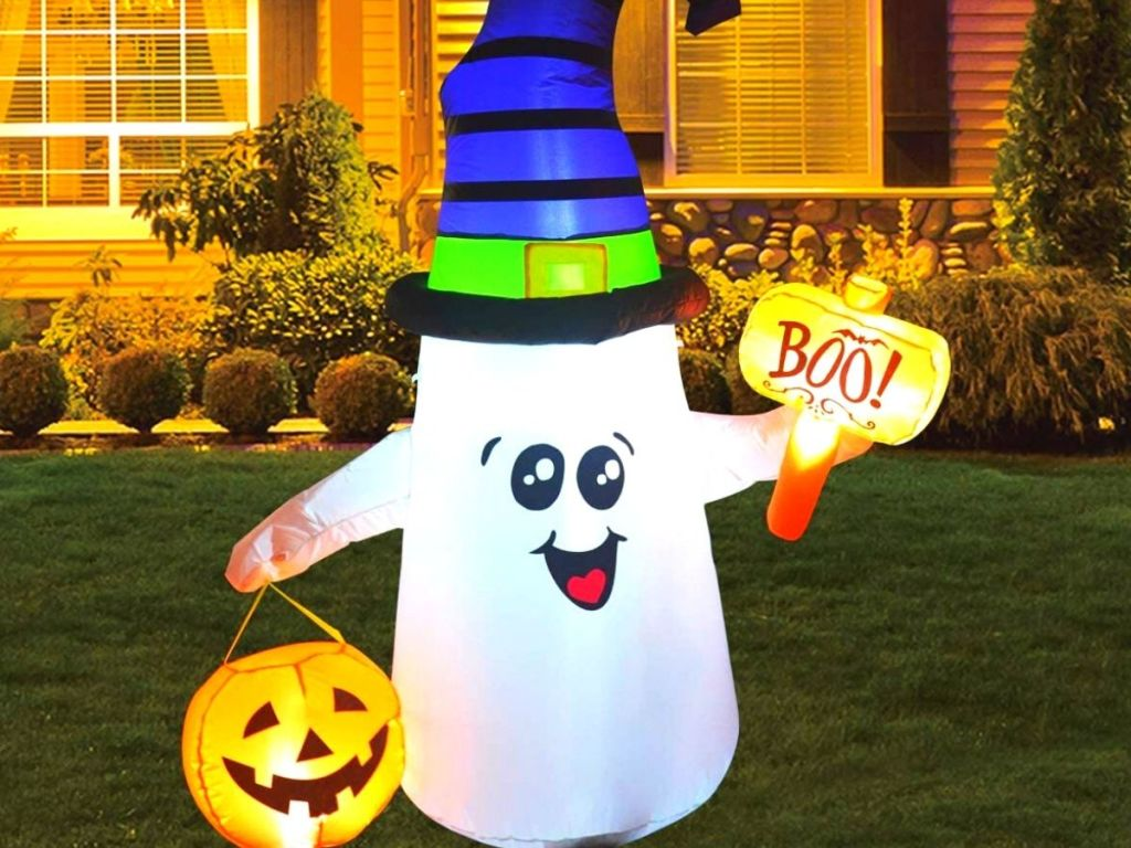 inflatable ghost with hammer and pumpkin
