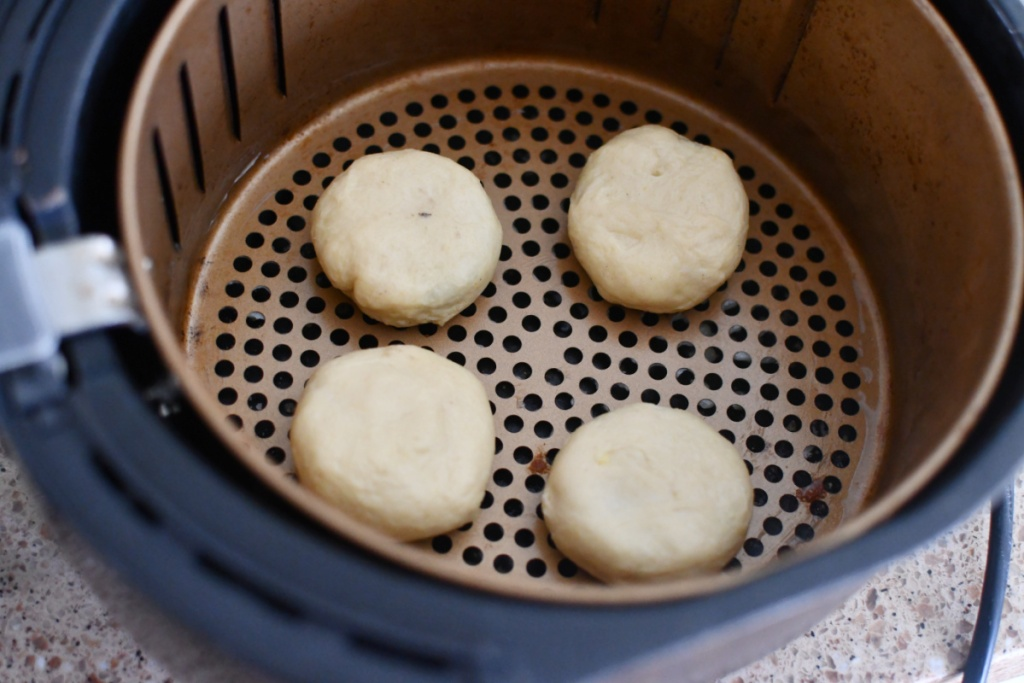 dough covered oreos in an air fryer