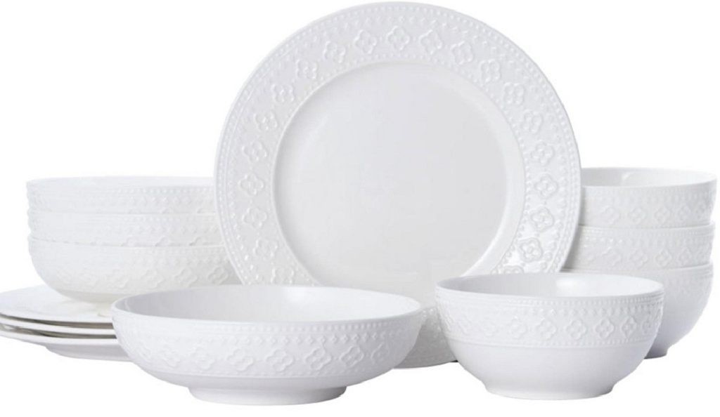 set of white dinnerware