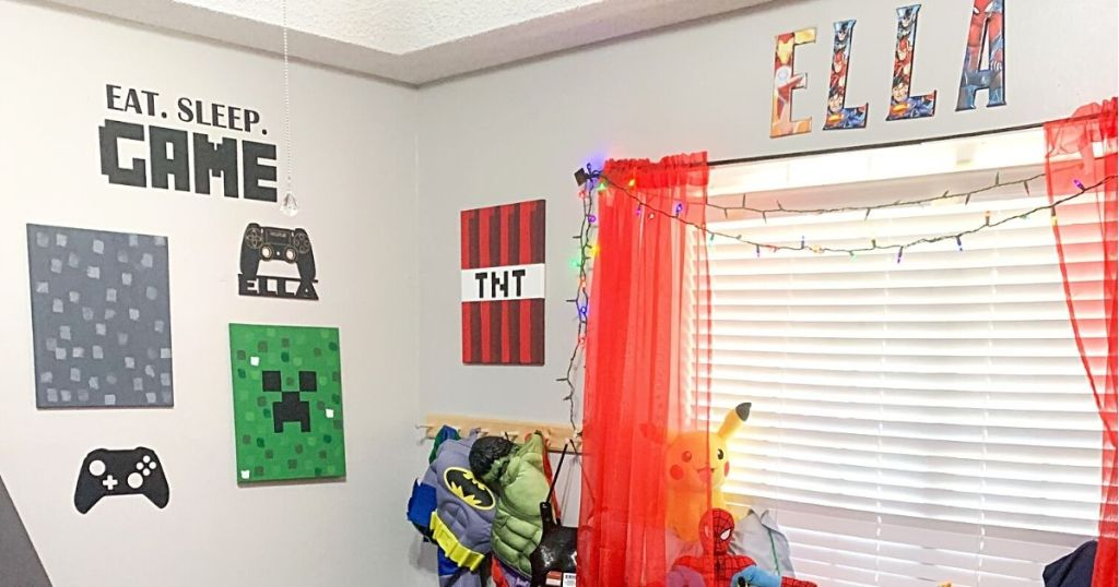 Room decorated in Minecraft theme