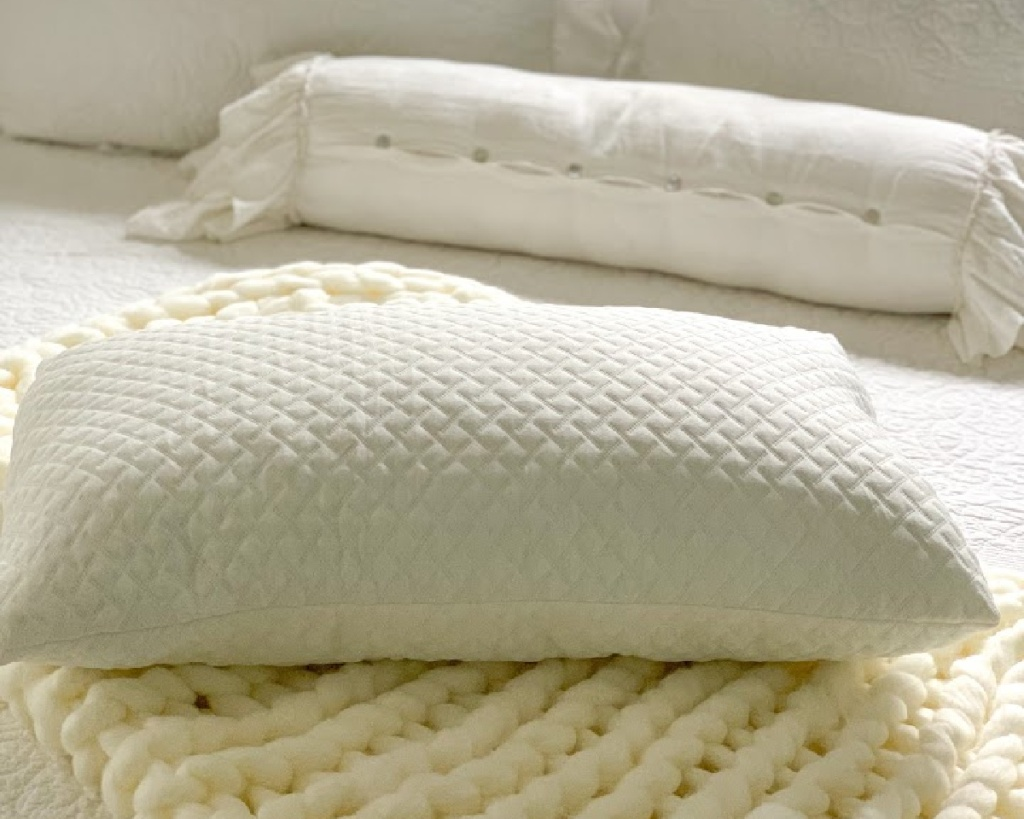 lifewit foam pillow all white background