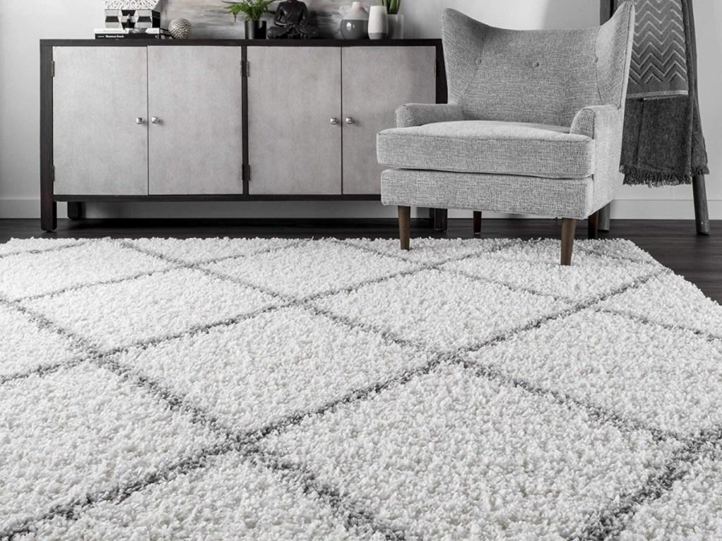 nuLOOM White 4' x 6' Tess Cozy Soft & Plush Modern Area Rug
