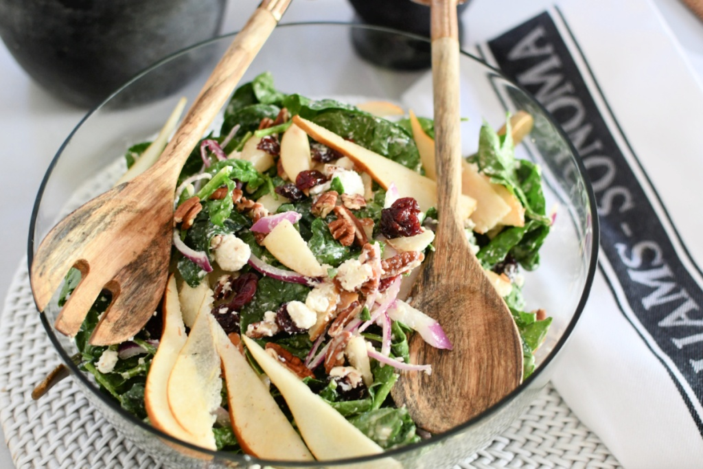 plate with spinach salad