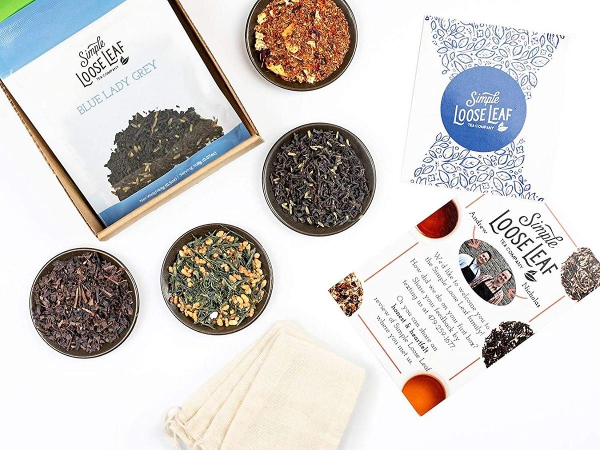 loose tea in cowls and simple Loose Leaf packages