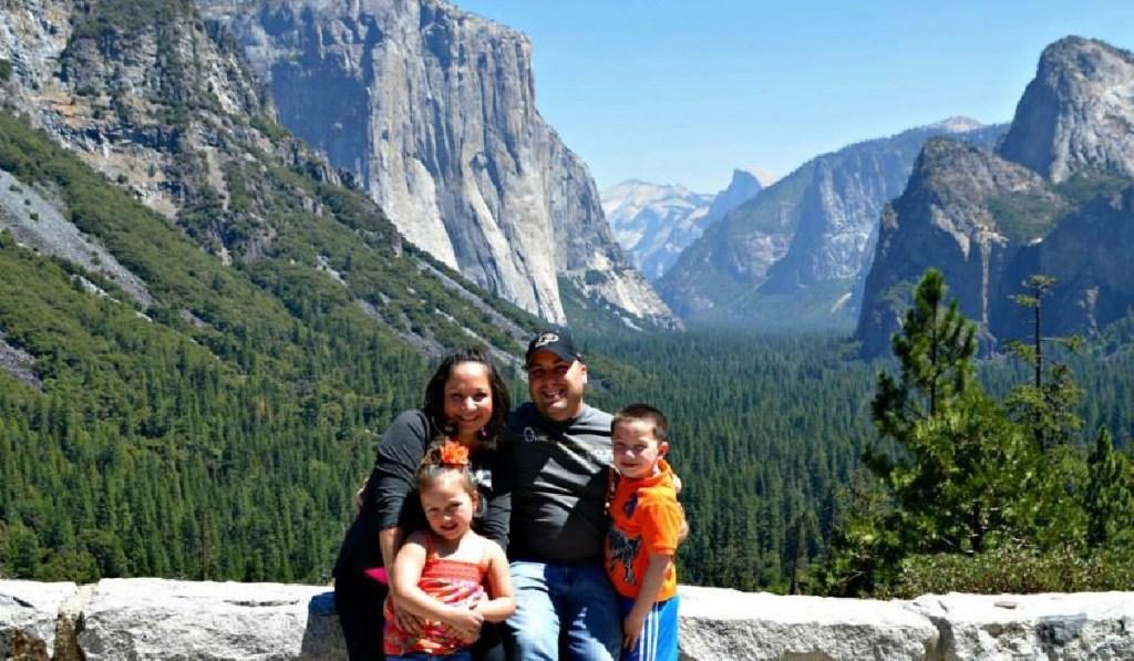 family at yosemite national park