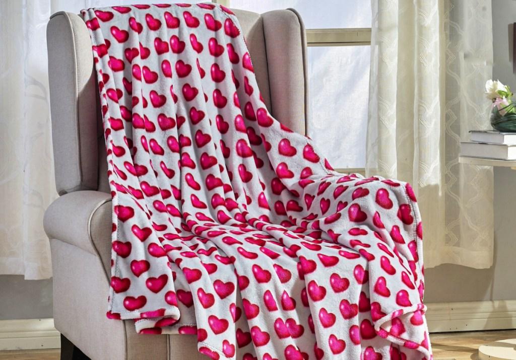 Noble House Gray & Pink Heart Juliette Throw Blanket
