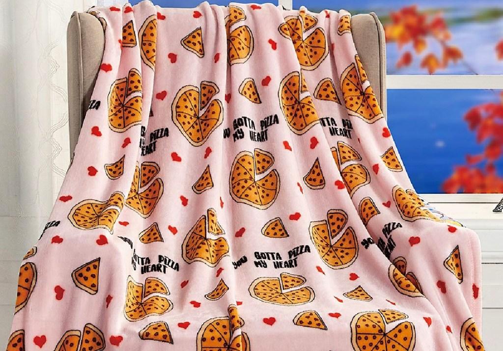 Noble House White & Orange 'You Gotta Pizza My Heart' Throw Blanket