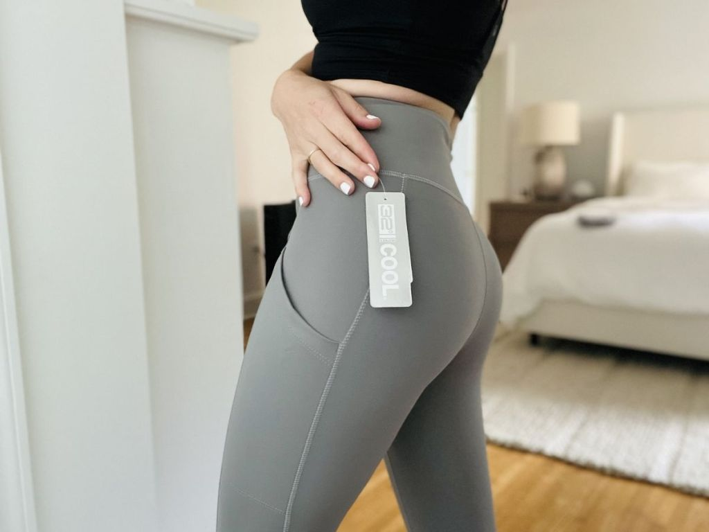 woman wearing gray 32 degrees leggings