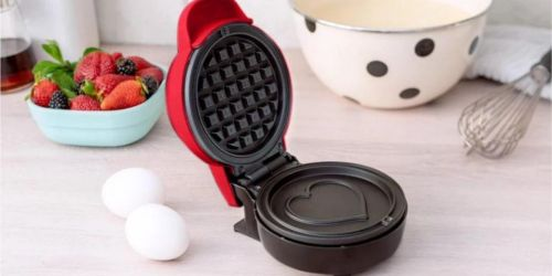 Bella Heart Waffle Maker Only $8.99 on Macy's (Regularly $20)