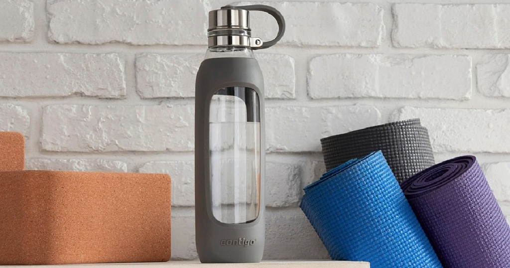 Contigo Purity 20oz Glass Water Bottl in Smoke with Silicone Tether
