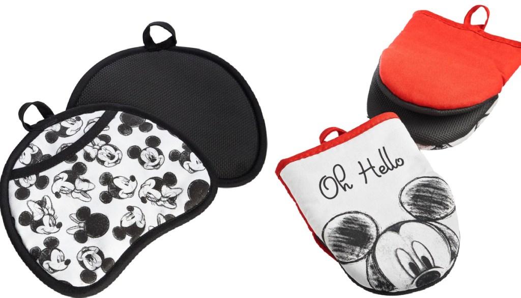 Disney kitchen gear pot holder and mittens