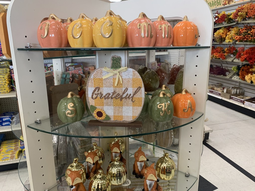 Grateful Pumpkin Shelf Decor