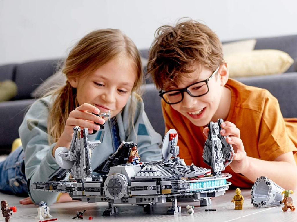 LEGO Millennium Falcon kids playing (1)