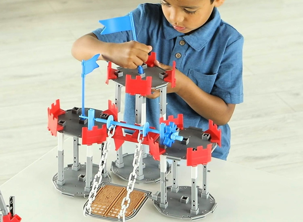 Learning Resources 123-Piece Engineering & Design Castle Set