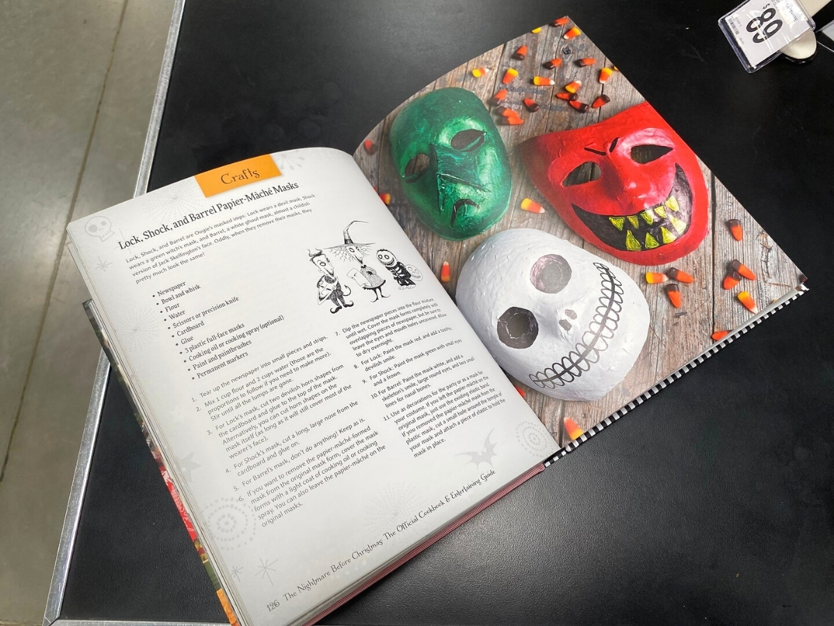 The Nightmare Before Christmas Official Cookbook