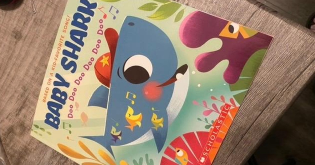 baby shark book front cover