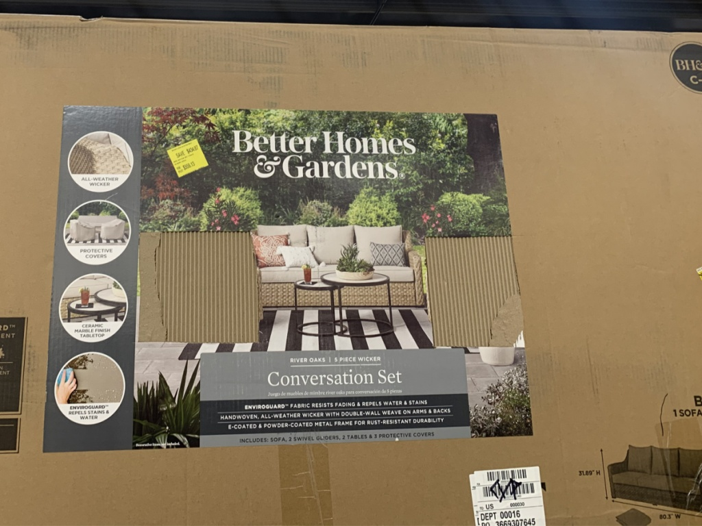 box in store with dining outdoor set in it