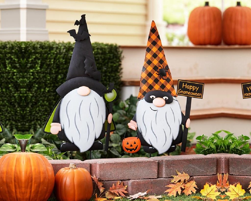 halloween gnomes outside