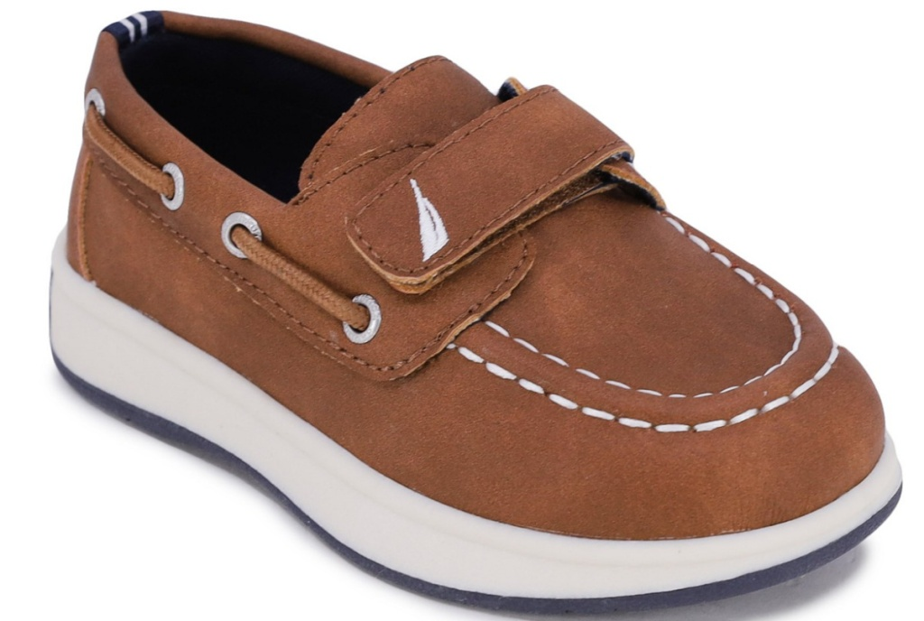 brown toddler boys boat shoes
