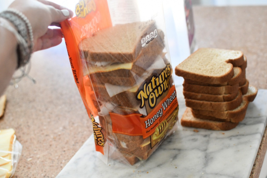 placing sandwiches back into the bread bag
