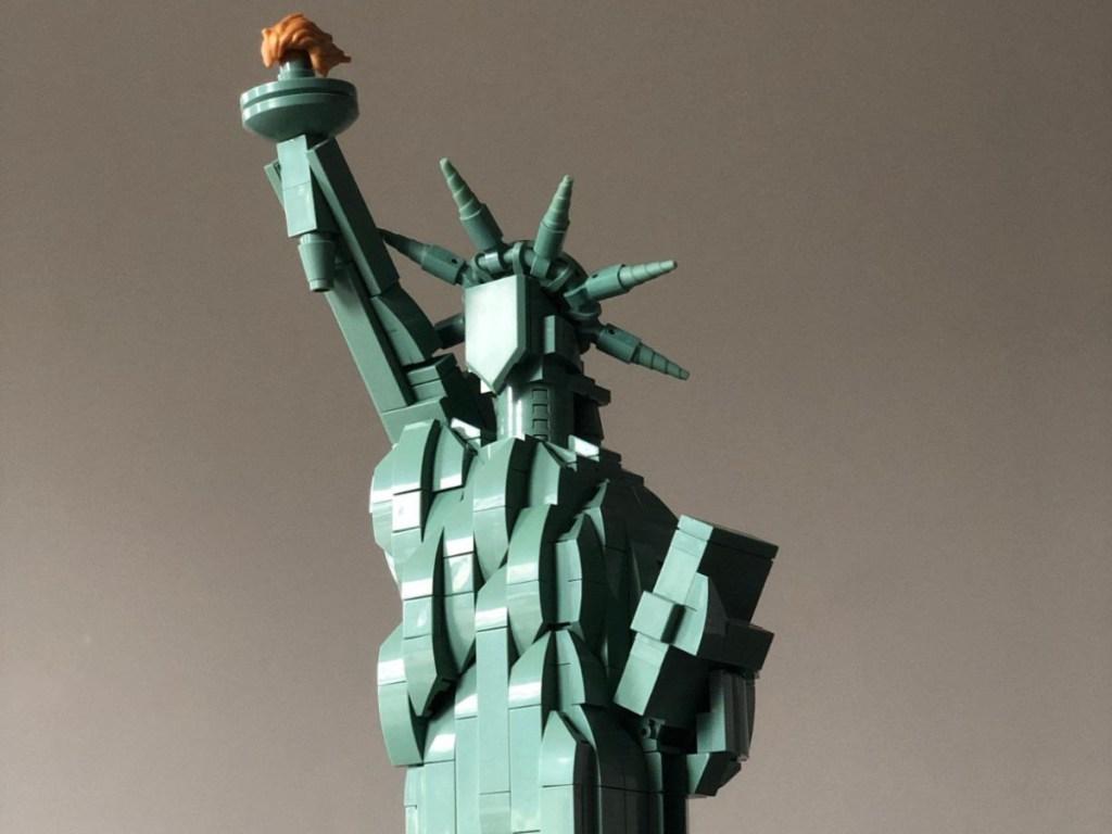 lego set depicting Statue of Liberty