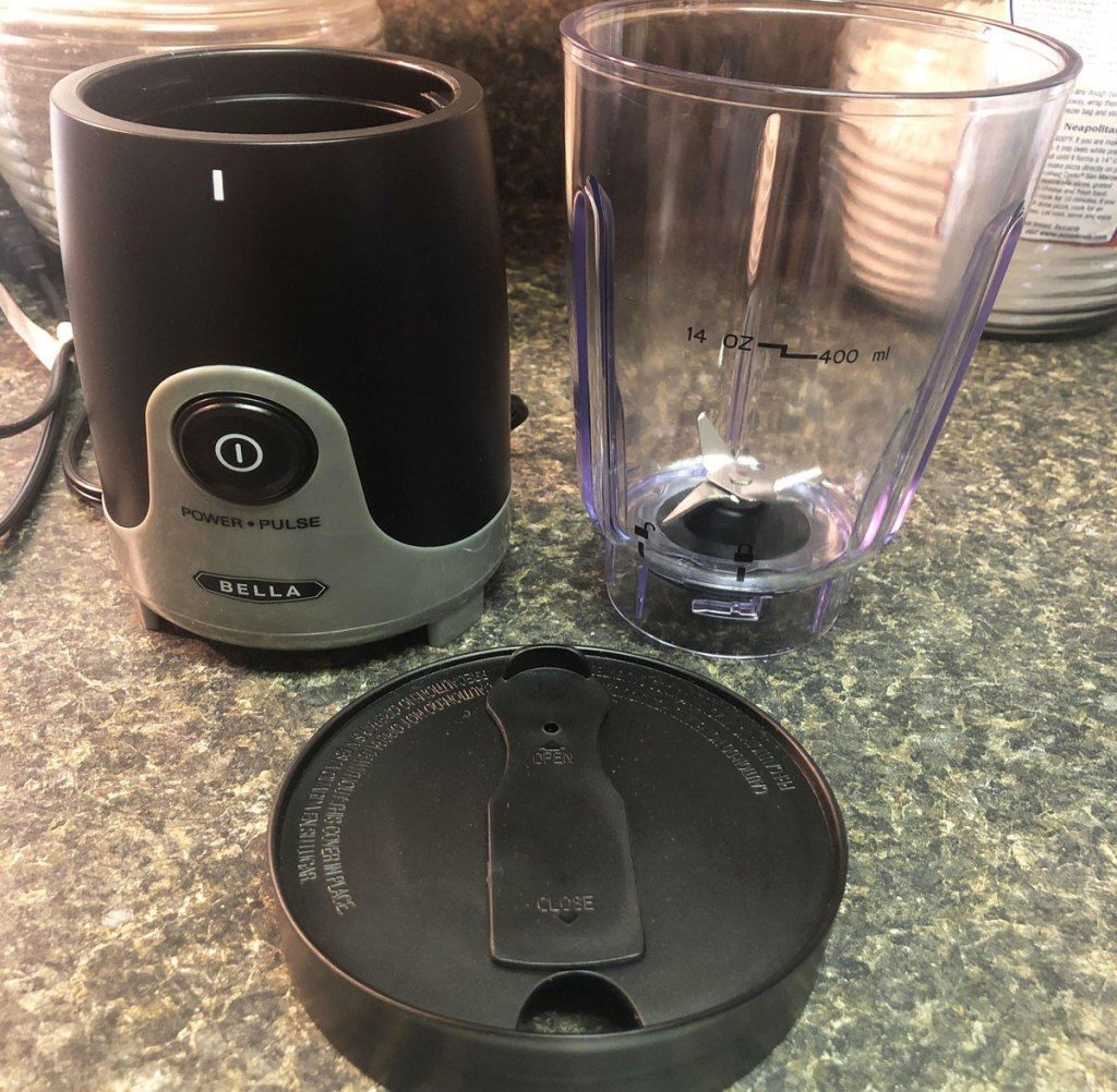 personal blender and lid on kitchen counter