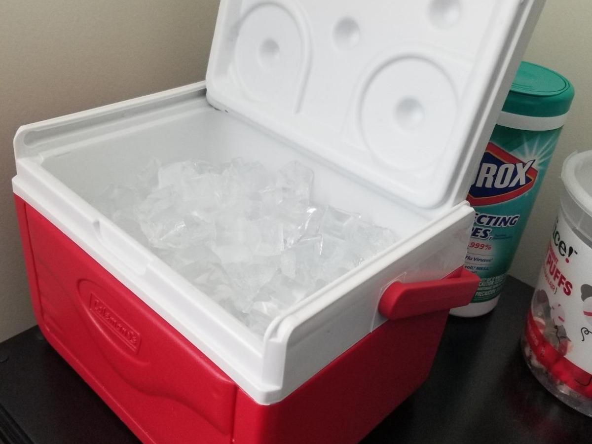 red coleman 5 quart personal cooler