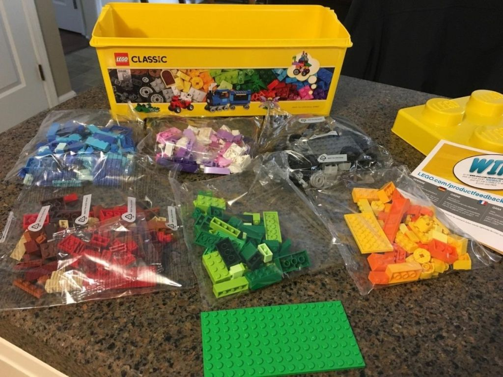 LEGO Classic 484-brick box