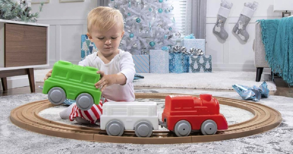 Step2 My First Holiday Train & Track Set