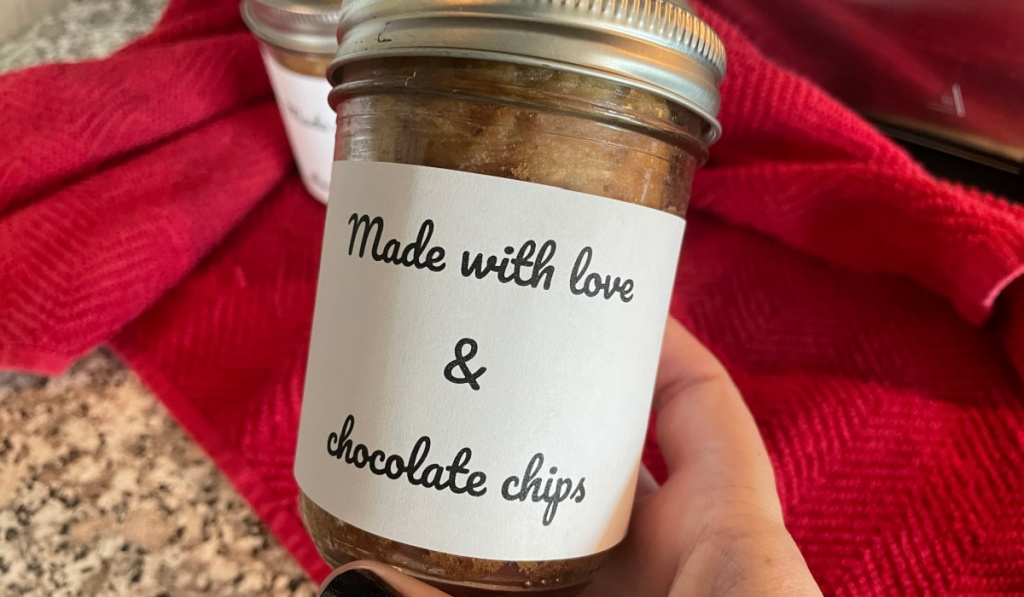 bread in a jar gift with label
