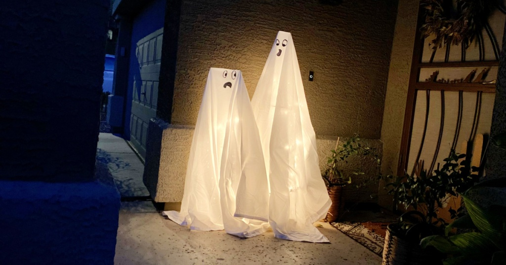 light up DIY Halloween ghost decorations for the yard