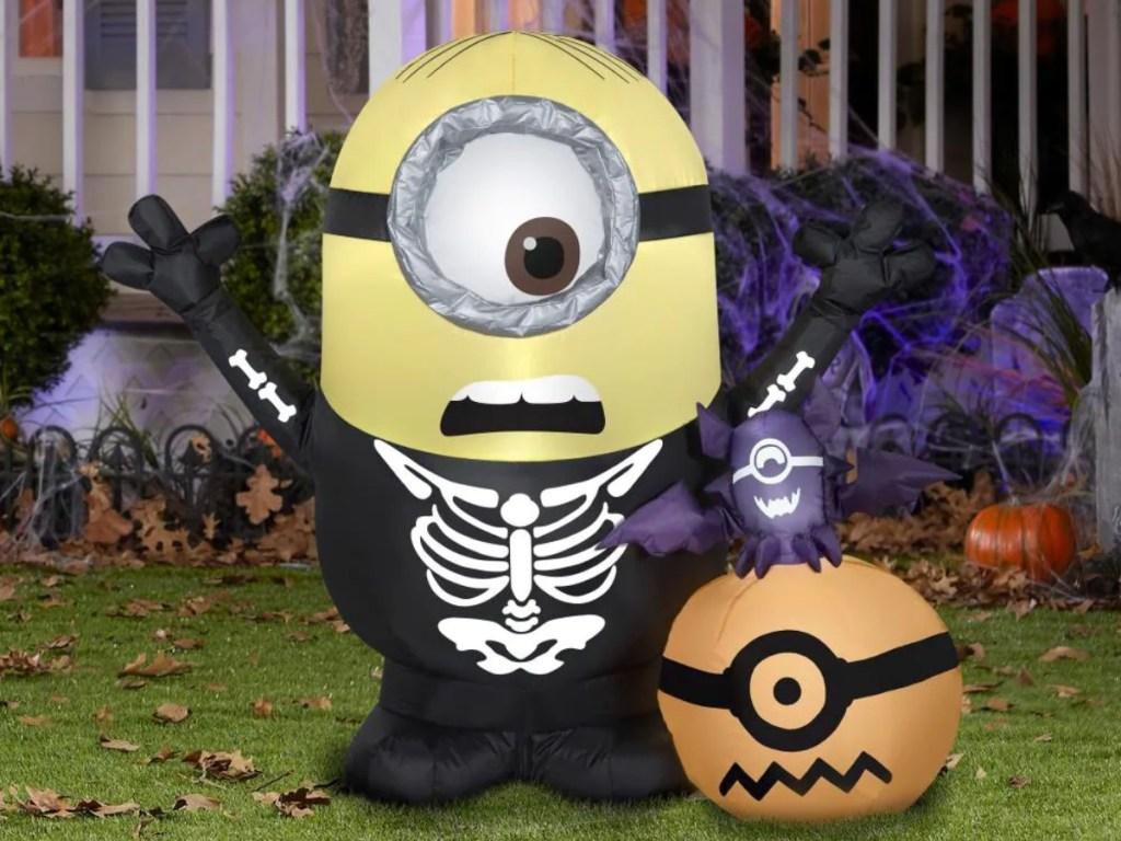 Minion Halloween inflatable