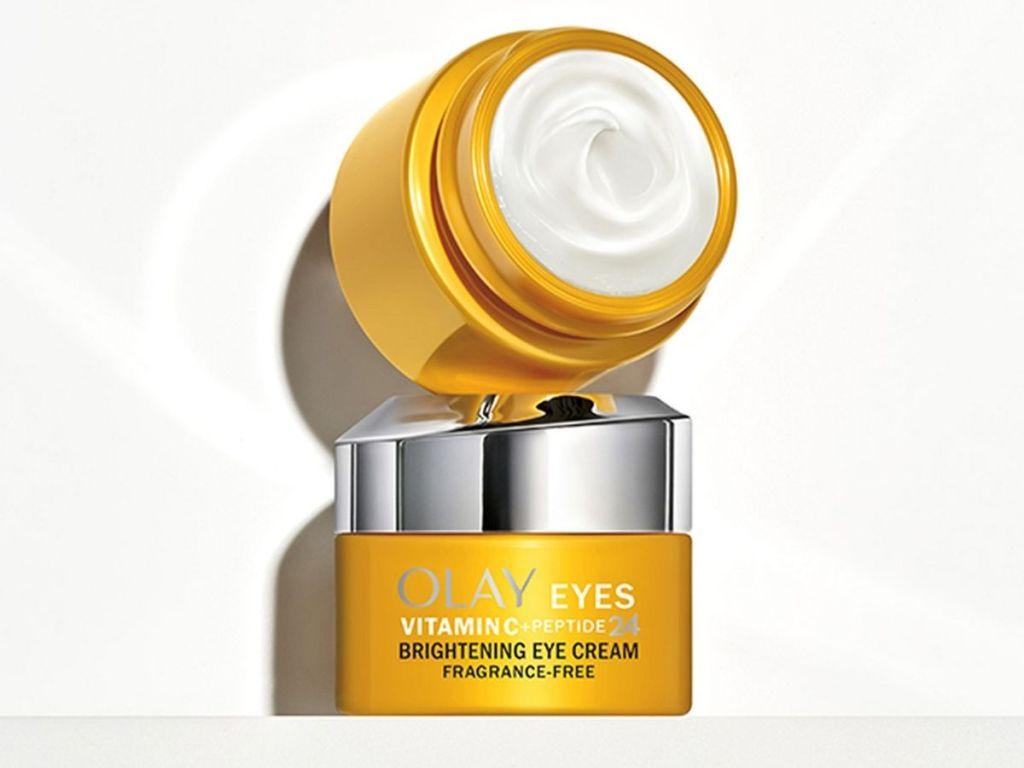 2 jars of Olay Eyes Brightening Cream