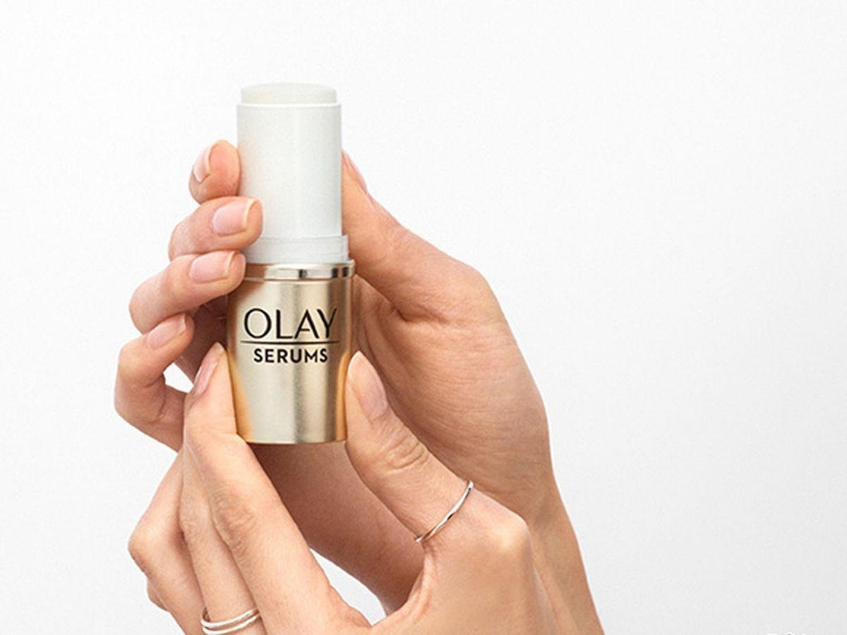 hand holding Olay Serums stick