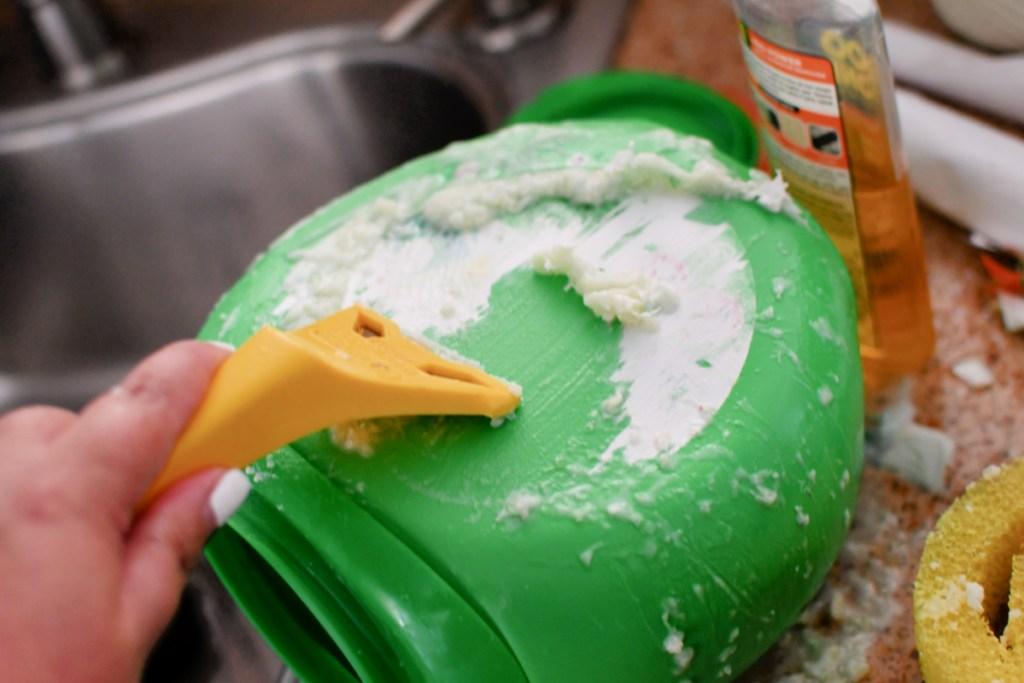 using a scraper on gain pod container