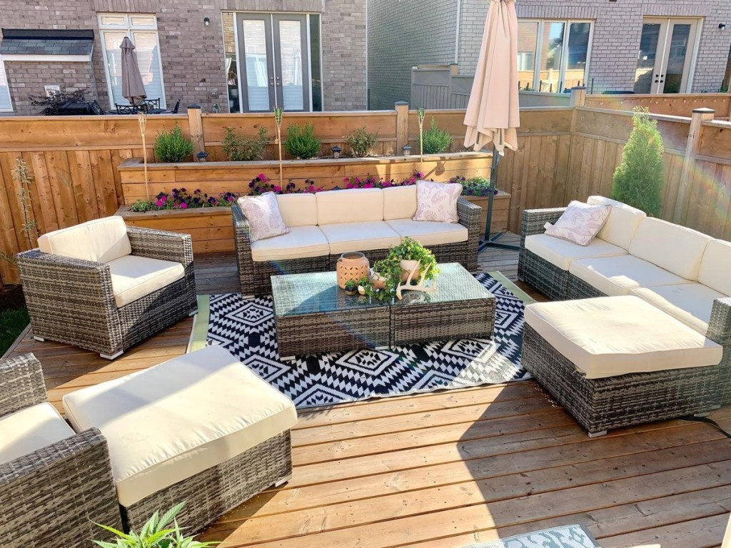 patio furniture on back deck